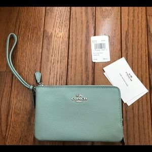 NEW *AUTHENTIC*  Coach Wrislet in Sea Green